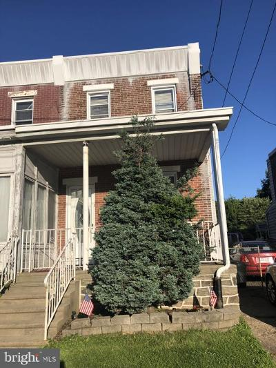 Philadelphia County Townhouse For Sale: 7313 Lawndale Avenue