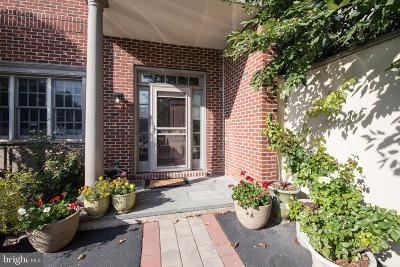Bella Vista Townhouse For Sale: 613 Catharine Street #8A