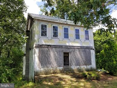 Perry County Single Family Home For Sale: 5660 Middle Ridge Road