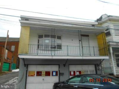 Townhouse For Sale: 22 W Spruce Street
