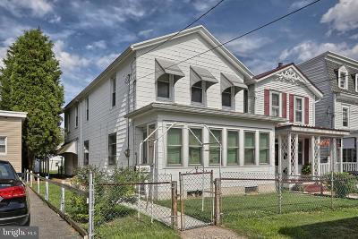 Single Family Home For Sale: 35 S Nicholas Street