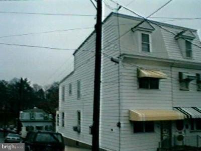 Single Family Home For Sale: 583 E Market Street