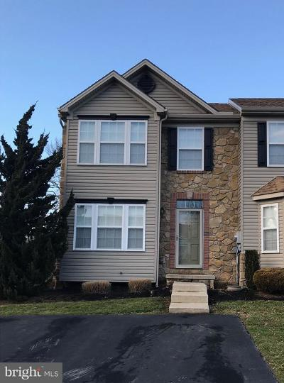 York PA Townhouse For Sale: $154,900