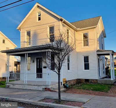 Manchester Single Family Home For Sale: 39 N Main Street
