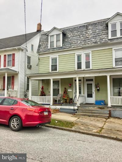 Red Lion Single Family Home For Sale: 122 N Franklin Street