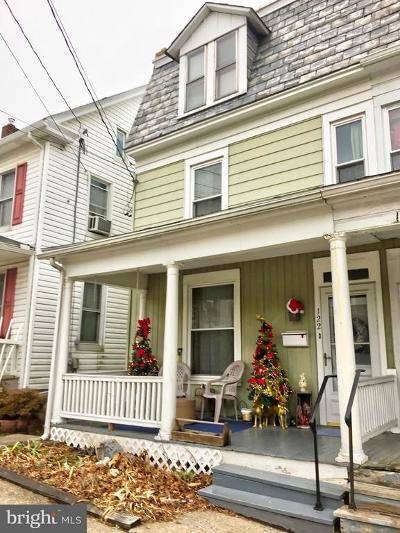 Red Lion Single Family Home Under Contract: 122 N Franklin Street
