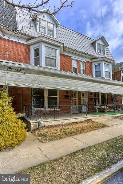 Red Lion Townhouse For Sale: 711 W Broadway