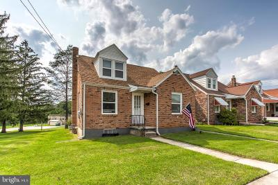 Dallastown Single Family Home For Sale: 208 S Walnut Street