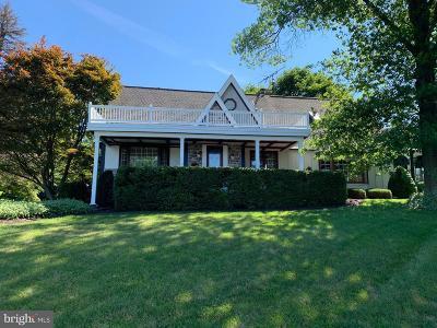 Dillsburg Single Family Home For Sale: 105 S Terrace Drive