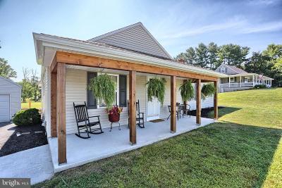 Dillsburg Single Family Home For Sale: 819 Baltimore Road