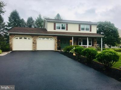 Dillsburg Single Family Home For Sale: 530 W Siddonsburg Road