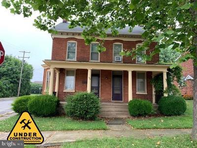 Spring Grove Single Family Home For Sale: 104 N Walnut Street