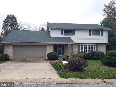 York Single Family Home For Sale: 870 Satellite Drive