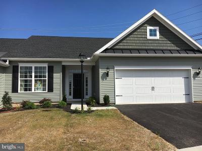 Hanover Single Family Home For Sale: 412 Hawthorn Lane #67