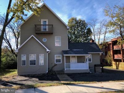 Arlington Multi Family Home For Sale: 4400 S Four Mile Run Drive