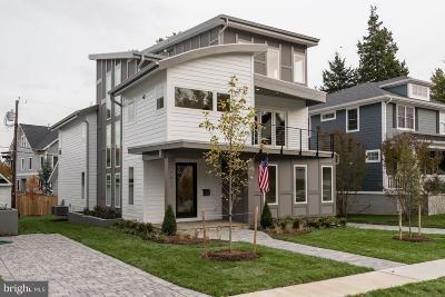 Alexandria City, Arlington County Single Family Home For Sale: 2611 N Powhatan Street N