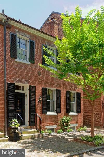 Alexandria City, Arlington County Townhouse For Sale: 218 S Royal Street