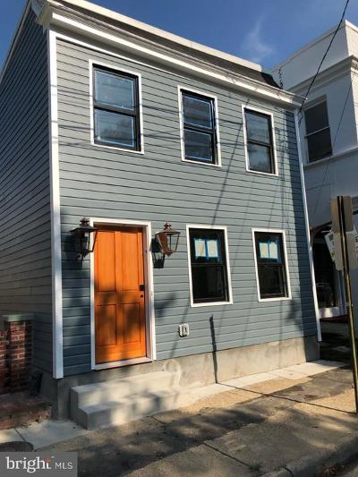 Alexandria Single Family Home For Sale: 313 N Patrick Street