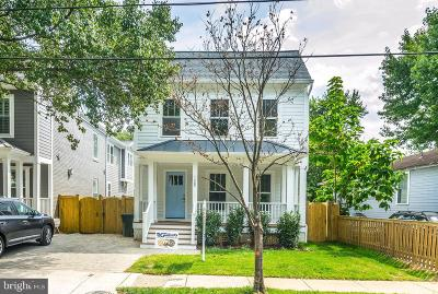 Alexandria Single Family Home For Sale: 105 E Oxford Avenue