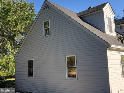 Single Family Home For Sale: 1218 Desha Road