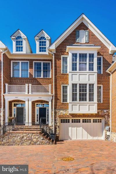Fairfax Townhouse For Sale: 10661 Yorktown Drive