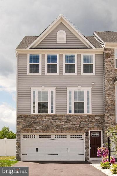 Lake Frederick Townhouse For Sale: 129 Hornbeam Drive