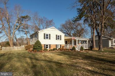 Alexandria Single Family Home For Sale: 8620 Conover Place