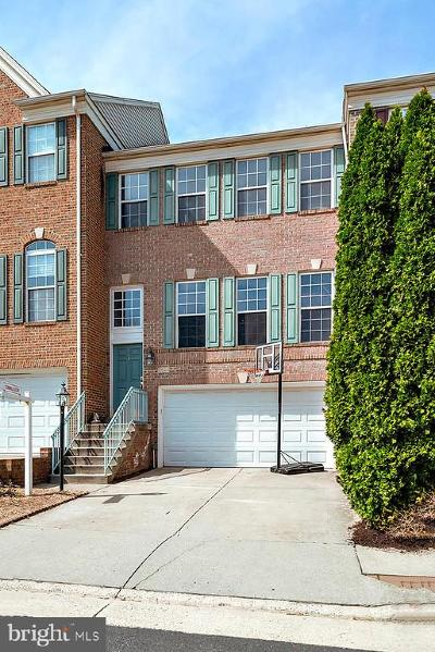 Fairfax County Townhouse For Sale: 13624 Cedar Run Lane