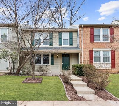 Herndon Townhouse For Sale: 1105 Lopez Lane