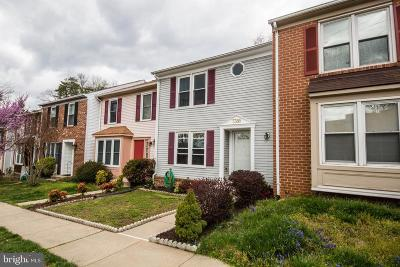Springfield Townhouse Under Contract: 7388 Stream Way
