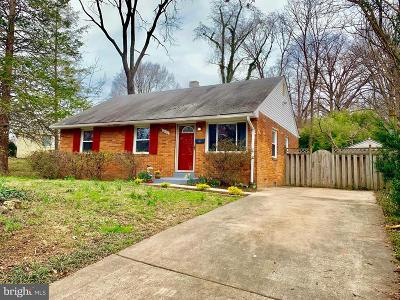 Falls Church Single Family Home For Sale: 7400 Sportsman Drive