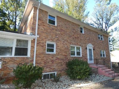 Falls Church Single Family Home For Sale: 6437 Walters Woods Drive