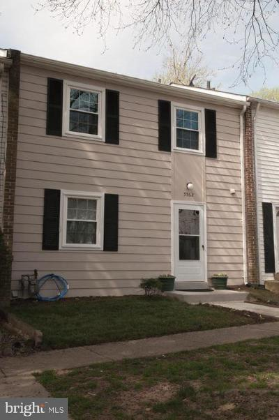 Burke Townhouse For Sale: 5562 Hollins Lane