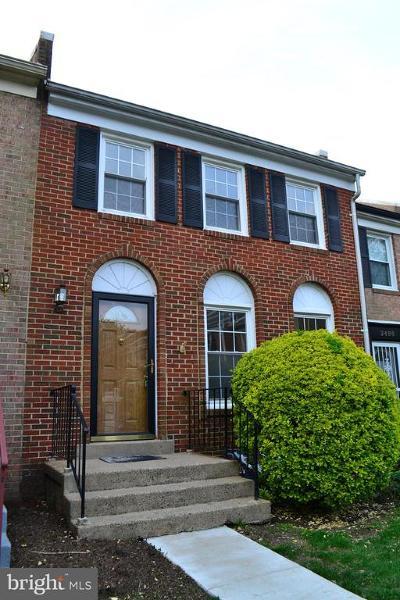 Alexandria Townhouse For Sale: 2490 Windbreak Drive