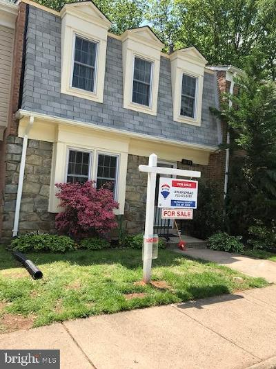 Fairfax County Townhouse For Sale: 8804 Surveyors Place