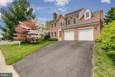 Reston, Herndon Single Family Home For Sale: 13076 Monterey Estates Drive