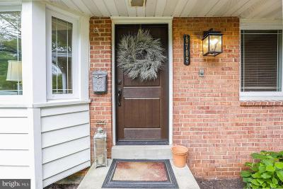Fort Hunt Single Family Home Active Under Contract: 8702 Waterford Road