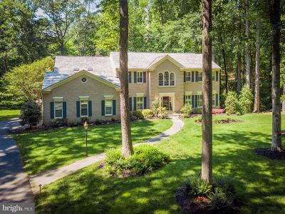 Fairfax Station Single Family Home For Sale: 8512 Cathedral Forest Drive