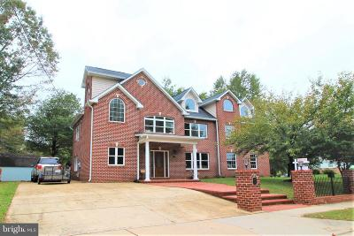 Falls Church Single Family Home For Sale: 3216 Blundell Road
