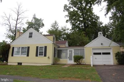 Annandale, Falls Church Single Family Home For Sale: 2301 Grove Avenue