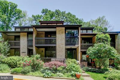 Reston Townhouse For Sale: 11316 Dockside Circle