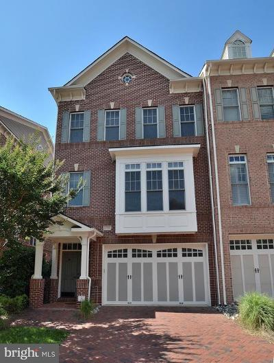 Fairfax County Townhouse For Sale: 6788 Stockwell Manor Drive