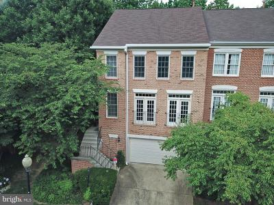 Fairfax County Townhouse For Sale: 11426 Summer House Court