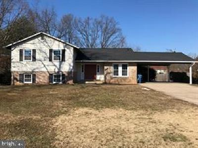 Annandale Single Family Home For Sale: 4306 Oak Hill Drive