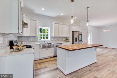 Alexandria Single Family Home For Sale: 3133 S Memorial Street