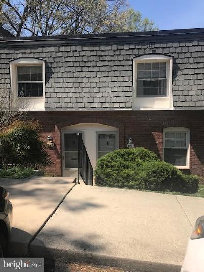 Springfield Condo For Sale: 5926 Minutemen Road #302