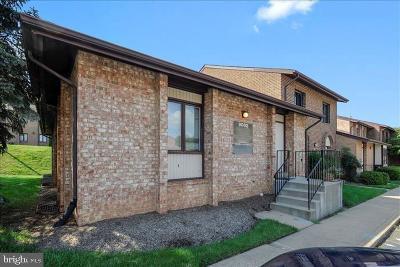 Burke, Springfield Condo For Sale: 9002 Fern Park Drive #1