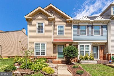 Fairfax County Townhouse For Sale: 6626 Cypress Point Road