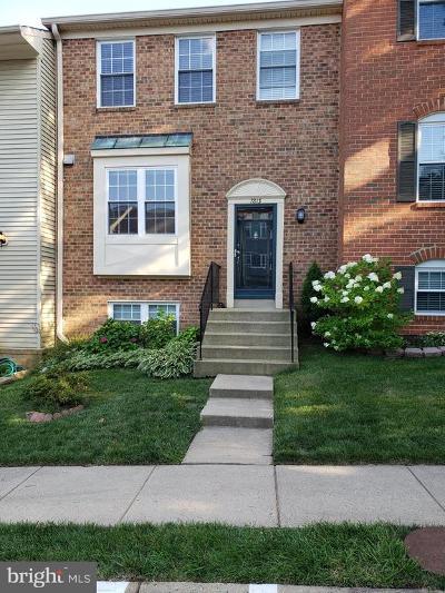 Fairfax County Townhouse For Sale: 7813 Wintercress Lane