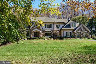 Great Falls Single Family Home For Sale: 9998 Blackberry Lane